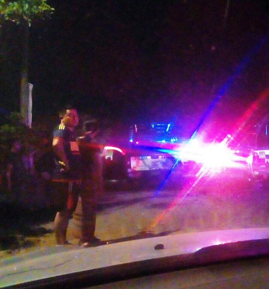 Dispara a mujer y se enfrenta a policías en V. Carranza
